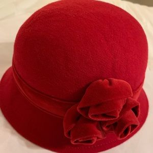 Janie and Jack wool hat in red